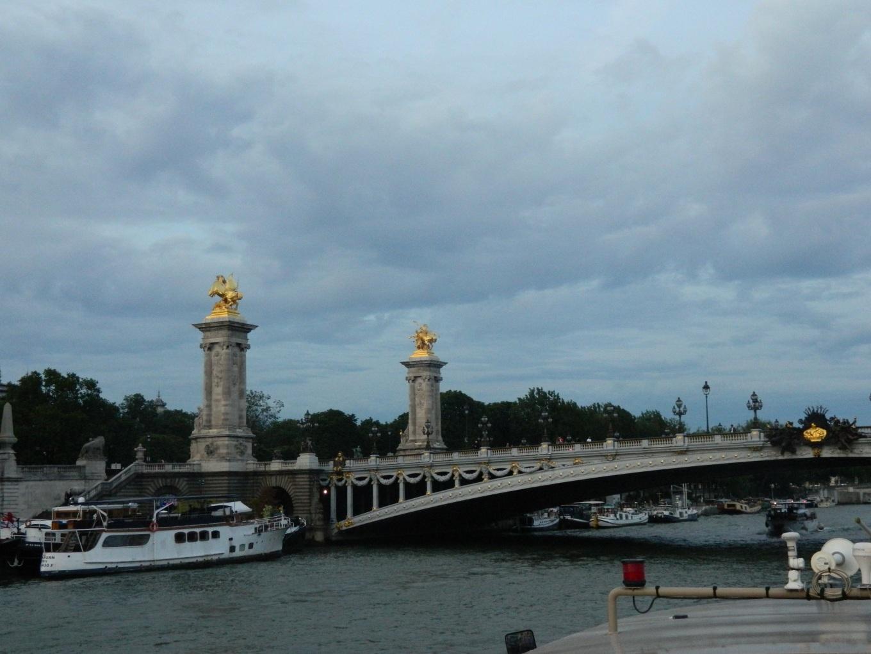 Entre as diversas pontes, passamos debaixo de uma e demos um beijo, como reza a lenda.