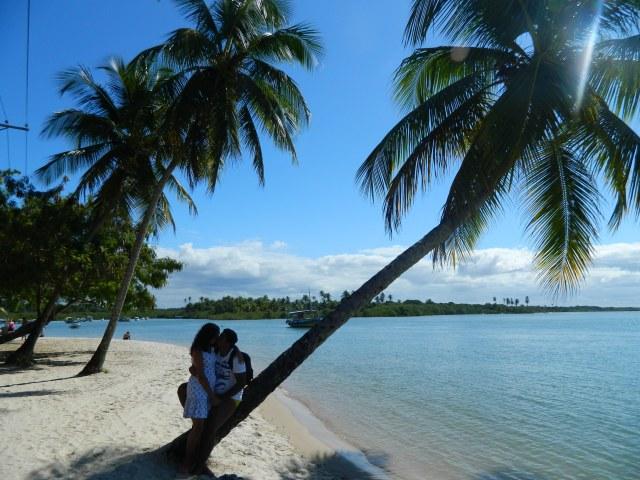 Porque eu, Aline, amo visual assim. Amo coqueiro..Amo o Thiago :-) (Boipeba)