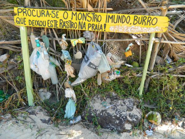 Alerta para o aviso na Praia do Amor - Pipa - RN