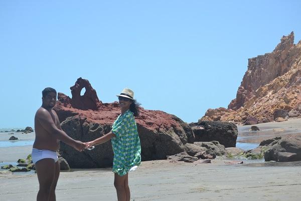 Pedra Furada nas falésias de Ponta Grossa- Icapuí - CE