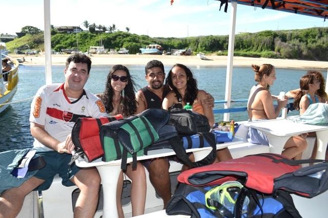 Saída do passeio de barco - Praia do Porto ao fundo