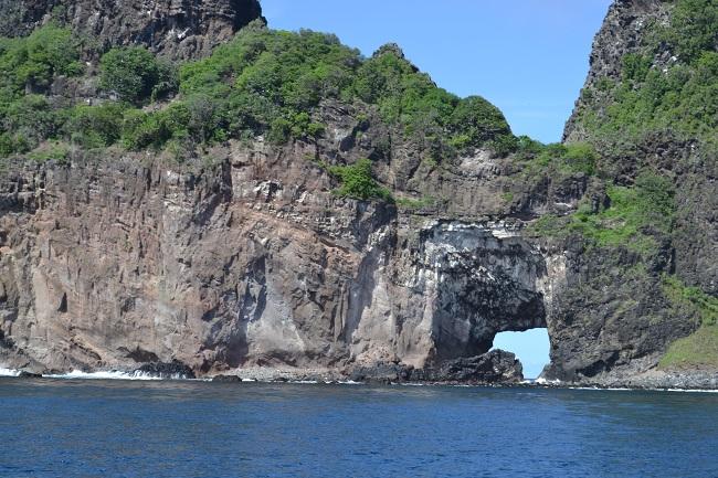 Ponta da Sapata - buraco lembra mapa do Brasil