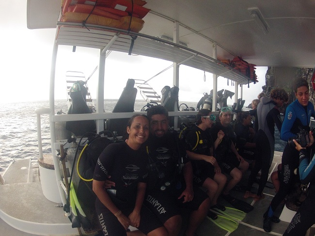 Catamarã - Atlantis Divers