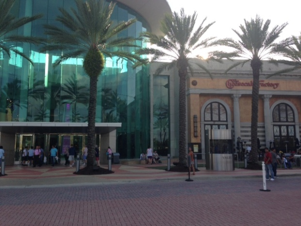 Mall at Milennia é bonito e grande
