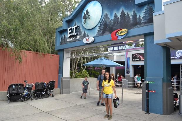 Aline ama o ET