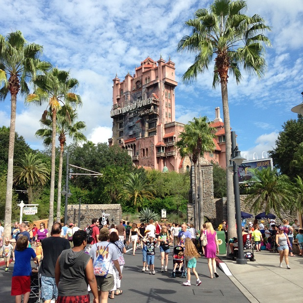 Hollywood Tower é atração mais badalada do parque