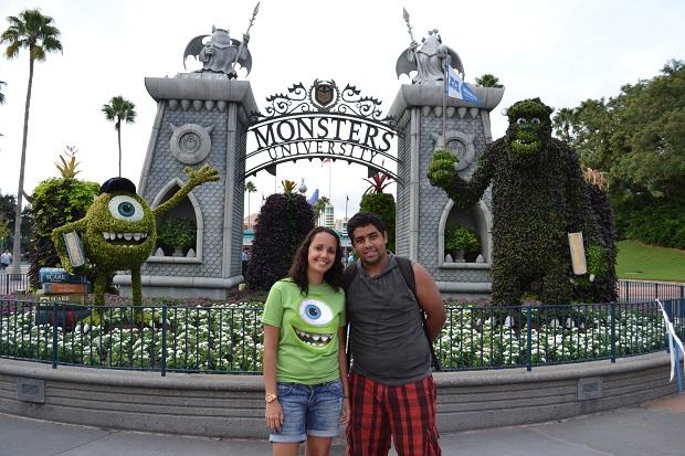 Foto na entrada do parque