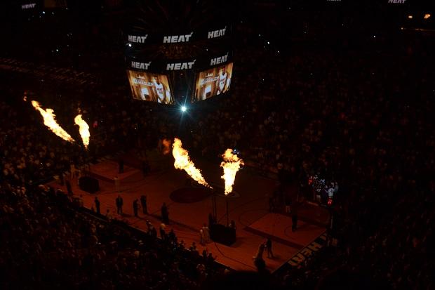 Tem Miami Heat logo mais!