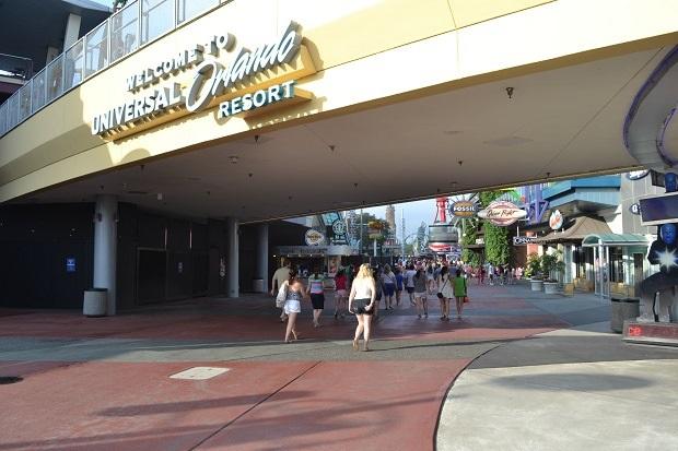 CityWalk é a entrada do complexo Universal