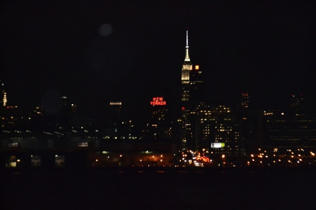 Empire State à noite, visto do barco