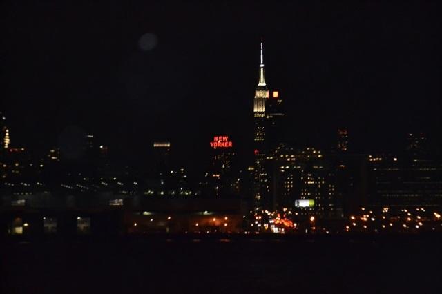 Empire State à noite, visto do barco