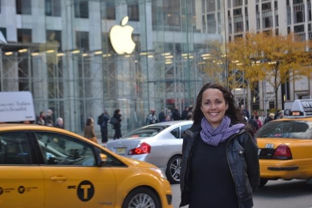 Apple Store de NY é enorme