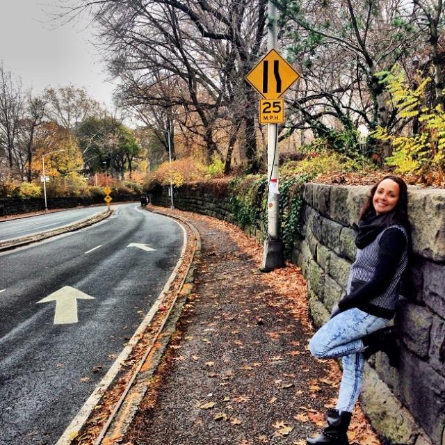 Aline de modelo na hora de cruzar o Central Park