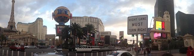 Paris e Planet Hollywood em frente ao Bellagio