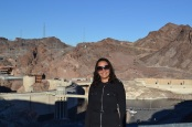 Aline na Hoover Dam