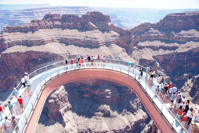 Skywalk é o grande atrativo do West Rim (Foto: Divulgação/Grand Canyon West)