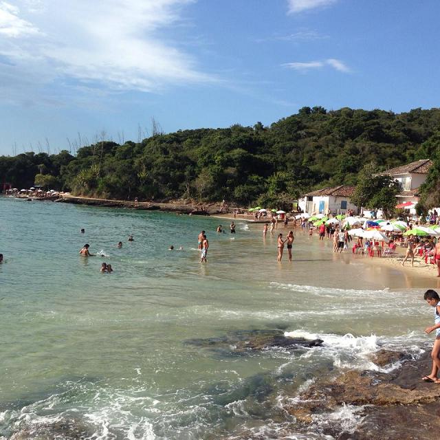 Praia Azeda e ao fundo a Azedinha