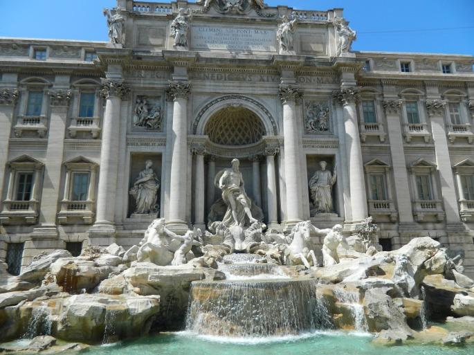 A espetacular Fontana di Trevi