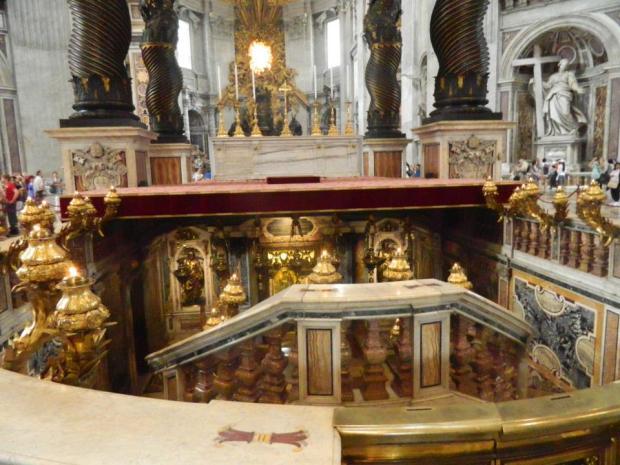 Basílica é impressionante por dentro