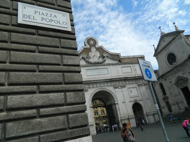Piazza del Popolo é uma das mais famosas