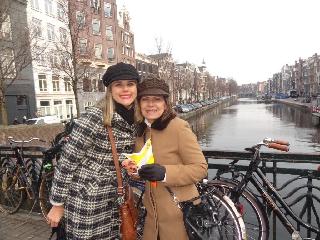Lili levou a mãe para Amsterdam