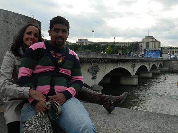 Passeio de barco pelo Sena é bem bonito