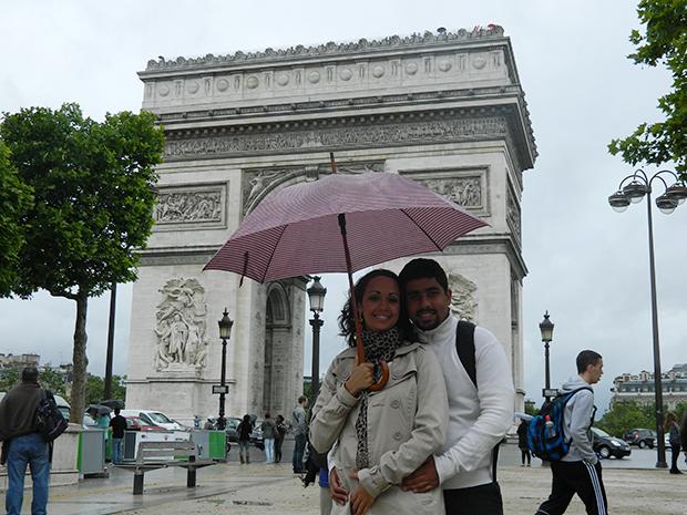 Champs-Elysées começa no Arco do Triunfo