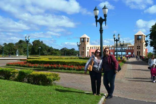 Sirlei e Zélia em Curitiba