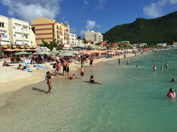 great bay beach sint maarten