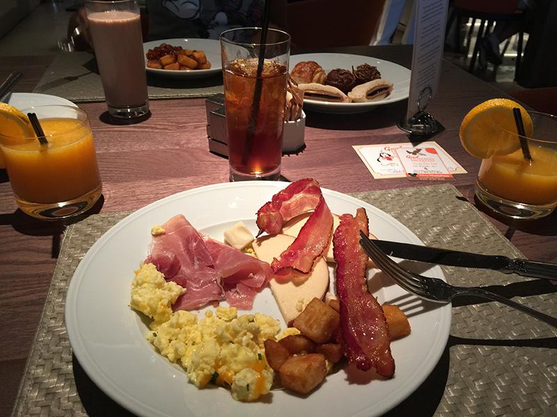 café da manhã personagens disney