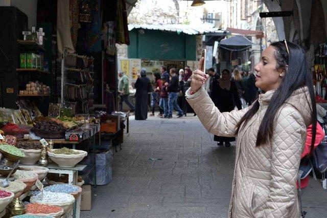 Pelas ruas do Bairro Árabe em Jerusalém