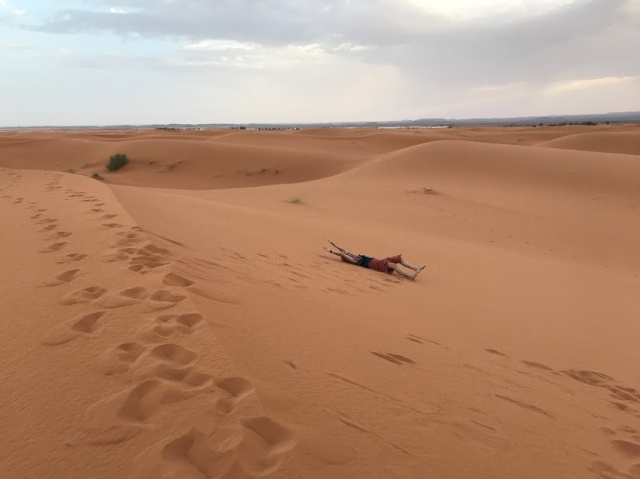 dormir no deserto do saara
